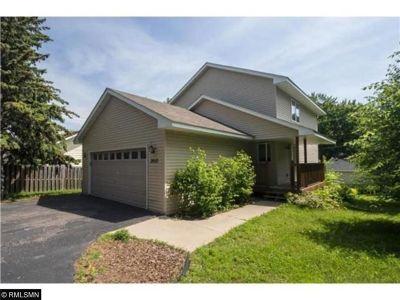 Golden Valley Single Family Home For Sale: 2012 Mendelssohn Avenue N