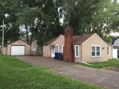 Saint Paul Single Family Home For Sale: 1610 Maryland Avenue E