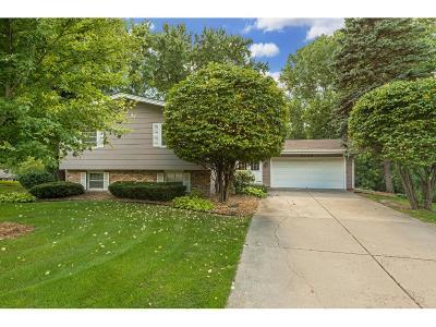 Edina Single Family Home For Sale: 5408 Highwood Drive W