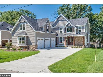 Plymouth Single Family Home For Sale: 705 Niagara Lane N
