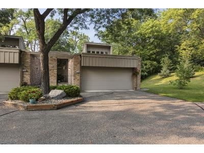 Edina Condo/Townhouse For Sale: 5700 Tucker Lane