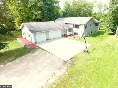 Brainerd Single Family Home For Sale: 8836 Dorothy Avenue