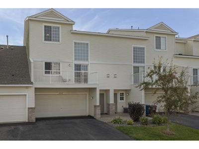 Maple Grove Condo/Townhouse For Sale: 6557 Merrimac Lane N