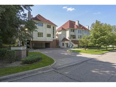 Minnetonka Condo/Townhouse For Sale: 12811 Sherwood Place #8