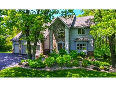 Lakeville Single Family Home For Sale: 21990 Wagon Wheel Trail