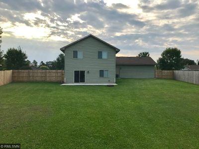 Cambridge Single Family Home For Sale: 1469 Cedar Drive S