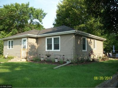 Hutchinson MN Single Family Home For Sale: $139,900