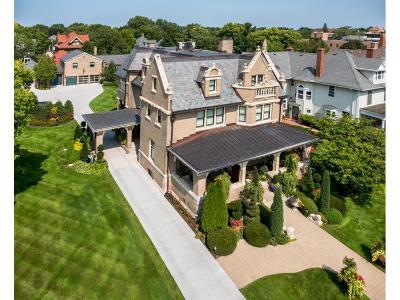 Saint Paul Single Family Home For Sale: 955 Summit Avenue