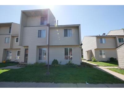 Brooklyn Park Condo/Townhouse For Sale: 5635 80th Avenue N