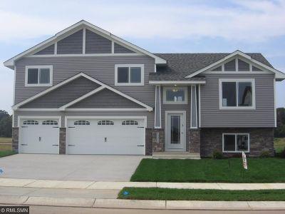 Elk River Single Family Home For Sale: 19052 Ivanhoe Street