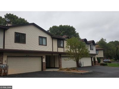 Brooklyn Park Condo/Townhouse For Sale: 8519 Maplebrook Parkway N