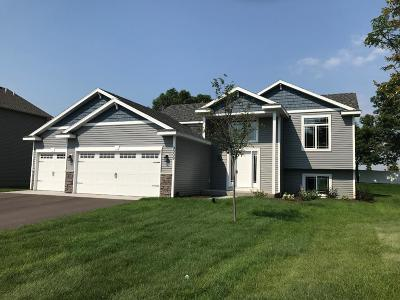 Isanti Single Family Home For Sale: 1112 Rum River Drive SW