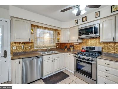 Brooklyn Park Condo/Townhouse For Sale: 7976 Lad Parkway