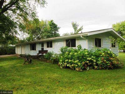 Menomonie Single Family Home For Sale: 1703 12th Street SE