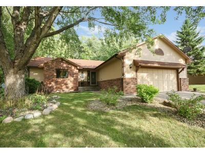 Maple Grove Single Family Home For Sale: 9332 Polaris Lane N