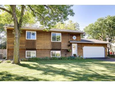 Maple Grove Single Family Home For Sale: 9671 97th Place N