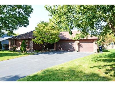 Eden Prairie Single Family Home For Sale: 18964 Maple Leaf Drive