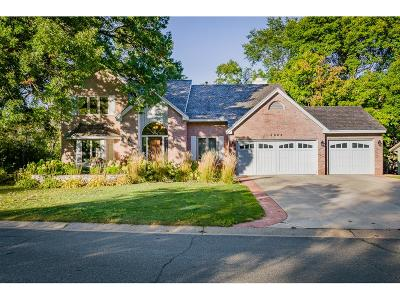 Eagan Single Family Home For Sale: 4604 Parkcliff Drive