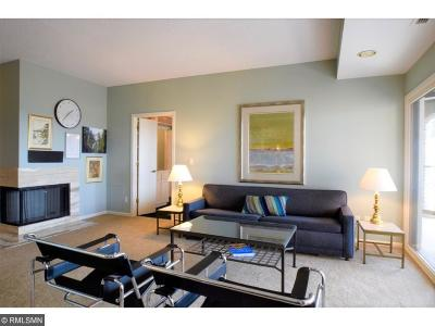 Minneapolis Condo/Townhouse Contingent: 1201 Yale Place #1809