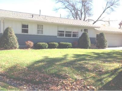 Farmington Single Family Home For Sale: 709 Centennial Circle