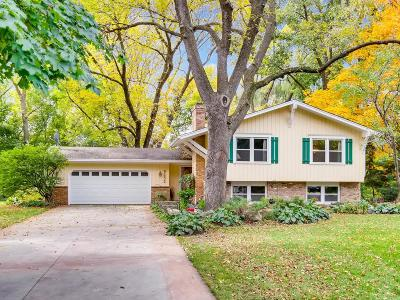 Eden Prairie Single Family Home For Sale: 9232 Cedar Forest Road