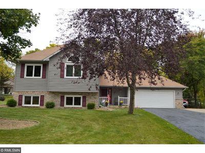 Eden Prairie Single Family Home For Sale: 18984 Nature Lane