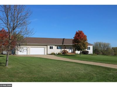Scott County Single Family Home For Sale: 1100 Butterfly Lane