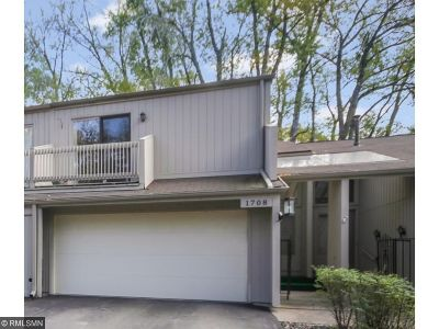 Plymouth Condo/Townhouse For Sale: 1708 Comstock Lane N