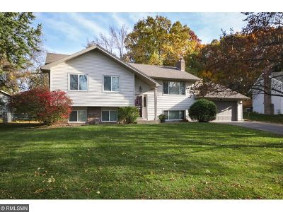 Maple Grove Single Family Home For Sale: 7391 Berkshire Way