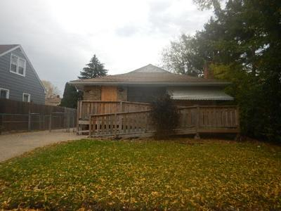 Minneapolis MN Single Family Home For Sale: $94,000
