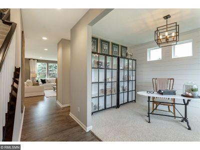 Eagan Single Family Home For Sale: 503 Aidan Cove