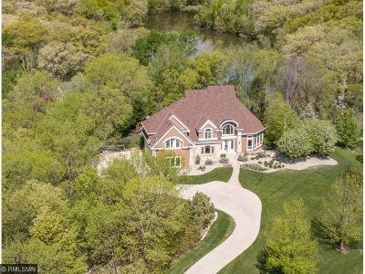 Lakeville Single Family Home For Sale: 23210 Woodland Ridge Drive