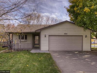 Maple Grove Single Family Home For Sale: 9608 Ximines Lane N