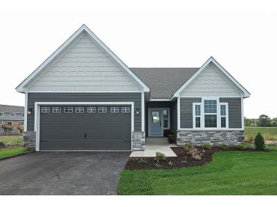Lakeville Single Family Home For Sale: 16170 Estate Lane