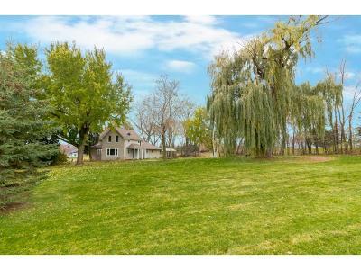Lakeville Single Family Home For Sale: 22690 Hunters Ridge Road
