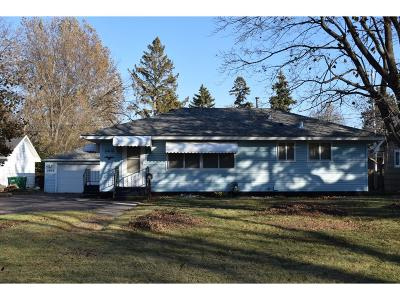 Crystal Single Family Home Contingent: 5408 Unity Avenue N