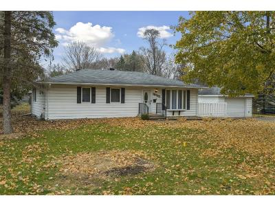 Plymouth Single Family Home For Sale: 15730 Gleason Lake Drive