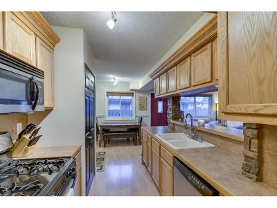Brooklyn Park Condo/Townhouse For Sale: 6342 84th Court N