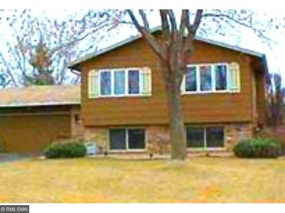 Brooklyn Park Single Family Home For Sale: 6733 81st Place N