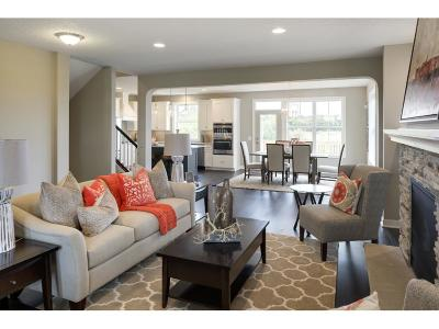 Lakeville Single Family Home For Sale: 16411 Equestrian Trail