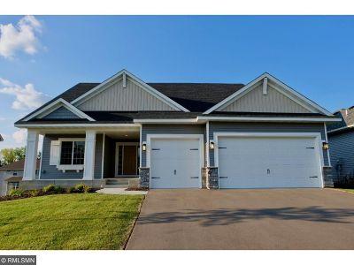 Lakeville Single Family Home For Sale: 16058 Estate Lane