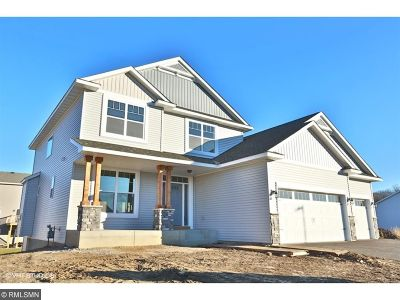 Delano Single Family Home For Sale: 218 Greenway Drive