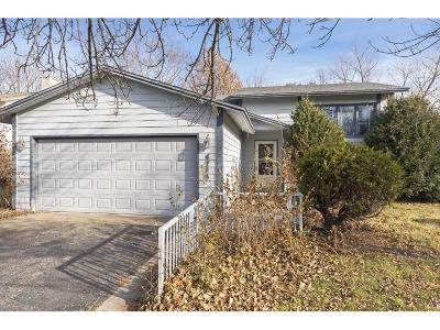 Eagan Single Family Home Contingent: 4736 Ridgewind Trail