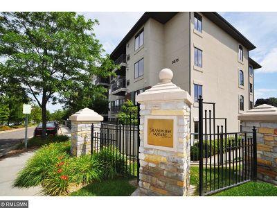Edina Condo/Townhouse For Sale: 5275 Grandview Square #3113