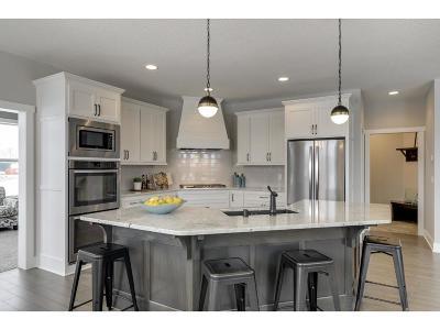 Maple Grove Single Family Home For Sale: 7538 Urbandale Lane N