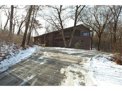 Burnsville Single Family Home For Sale: 2513 Oakwood Drive