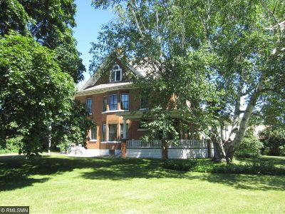 Forest Lake Single Family Home For Sale: 432 N Shore Drive