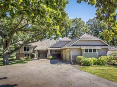 Scott County Single Family Home For Sale: 25275 Vergus Avenue