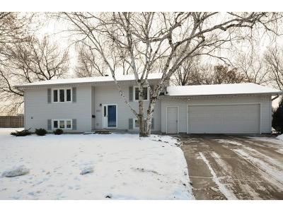 Edina Single Family Home For Sale: 4952 Poppy Lane