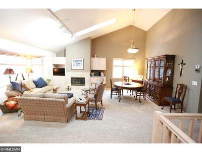 Bloomington Condo/Townhouse For Sale: 7003 Oak Pointe Curve